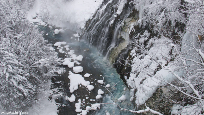 冬の白ひげの滝