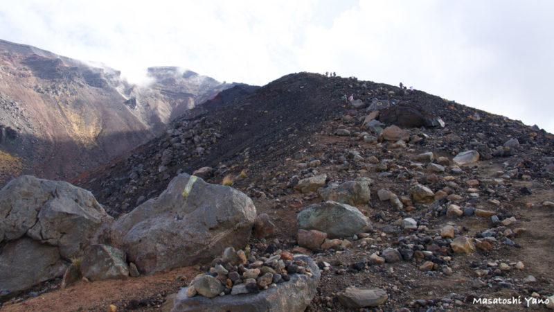 旭岳の登山道入り口付近