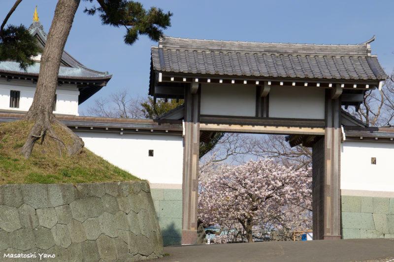松前城の正門