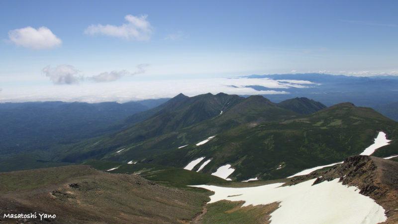 十勝岳の山頂からみた雲海