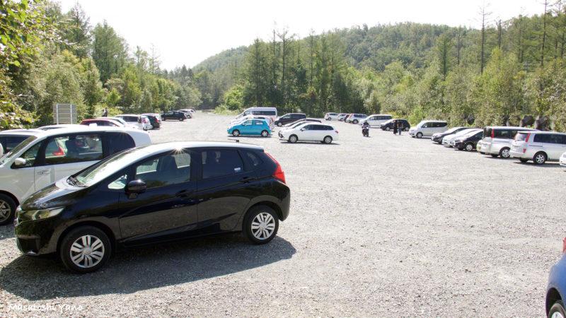 青い池、閉鎖解除当日の駐車場の様子