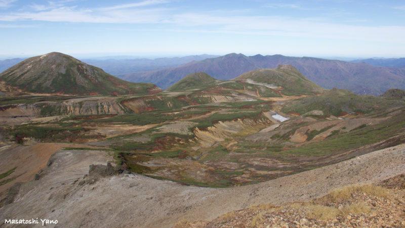 北海岳から見た石室〜お鉢平の登山コース