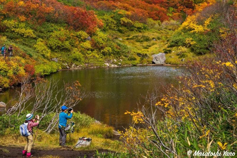 高原温泉沼めぐりコース、式部沼の紅葉